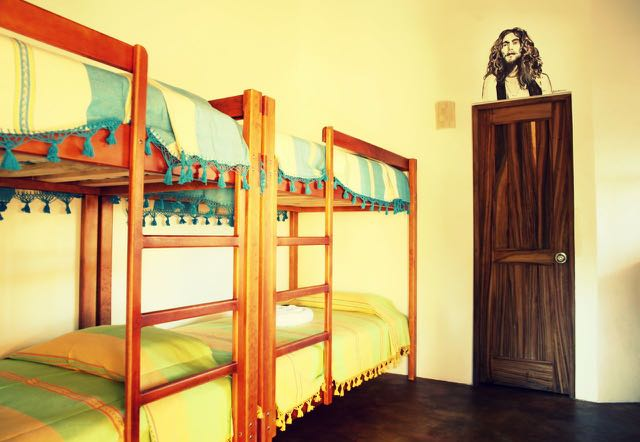 Dormitorio, One Love